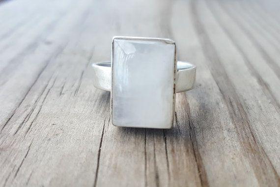 Moonstone Ring  anello di pietra preziosa  di HimalayanTreasure
