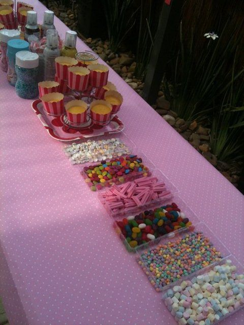 Cupcake Bar....Great Idea for bday