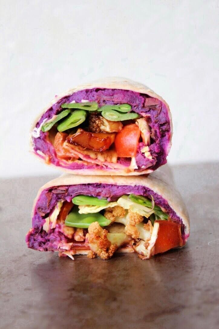 Three vegan and delicious wrap filling ideas to try for lunch! #recipe #plantbased #food