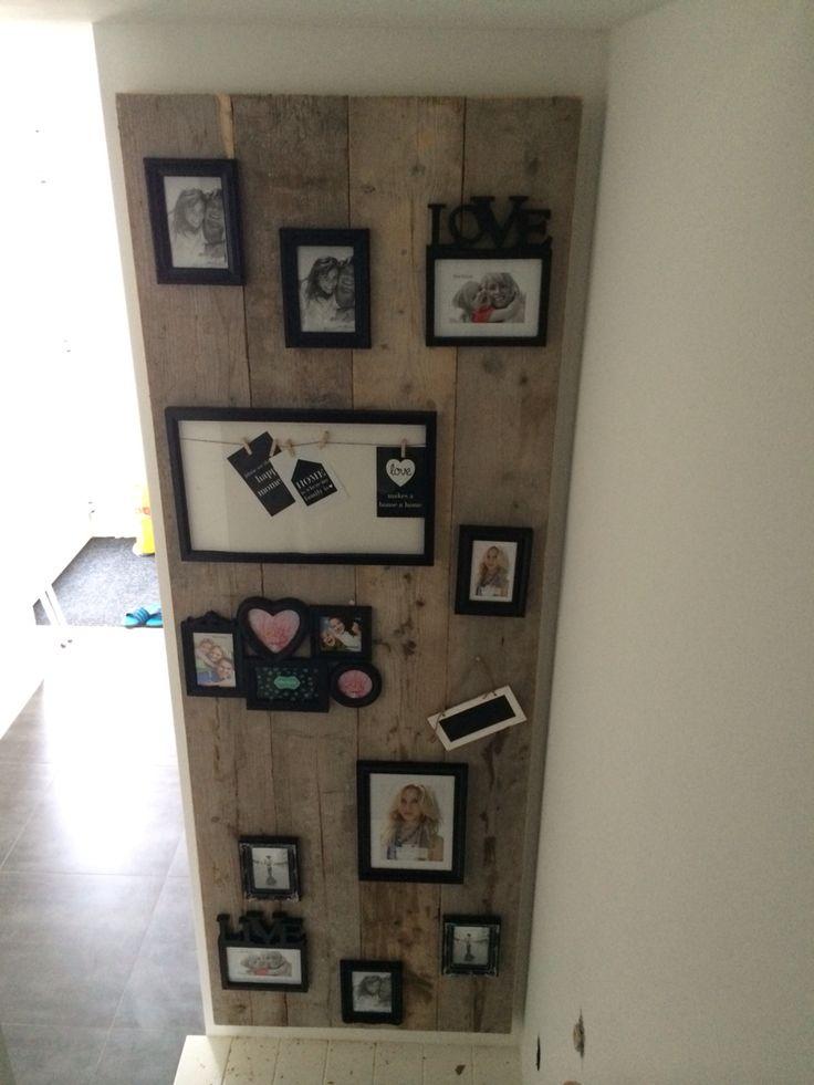 Steigerhouten fotocollage! 4 Planken en een mdf plaat erachter om aan de muur te bevestigen. Fotolijsten van van de action en klaar