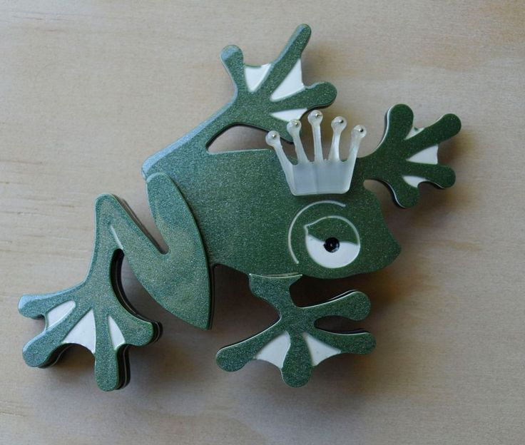 Erstwilder/Erstwhile FROG PRINCE BROOCH/PIN Rare Early Release