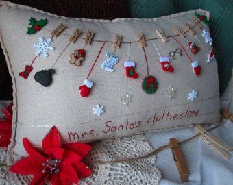 Hanging Pillow: My Snowman Garden Cottage Style por PillowCottage
