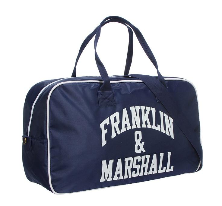 ΦερμουαρΜέσα τσέπεςΛαβήΜήκος: 55cm, Βάθος: 30cm, Ύψος: 30cmhttp://www.john-andy.com/franklin-and-marshalllsports-bag.html