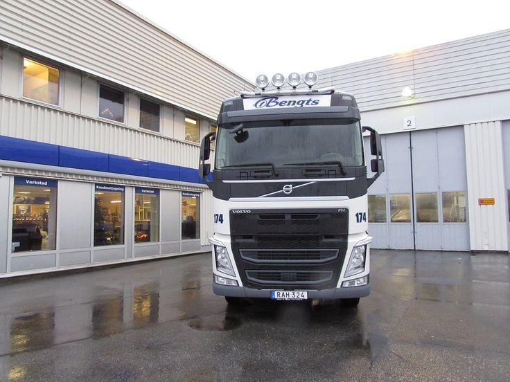 https://flic.kr/p/EocShR | Bengts Åkeri AB | FH460 4x2 med containerfästen.