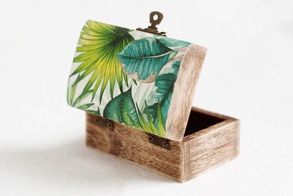 Wedding Ring Box, Rustic Ring Bearer Box, Ring Holder, Wedding Wooden Box, Tropical Wedding Ring Box, Hawaii wedding ring box, Tropical leaf
