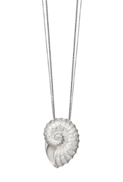 #Diamond Nautlis pendant, India Hicks @IndiaHicksStyle -it reminds me of Ursula's necklace.