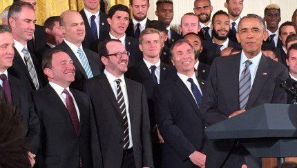 Gary Bettman trouve le moyen de faire honte à la LNH à la Maison Blanche! http://www.danslaction.com/fr/gary-bettman-trouve-le-moyen-de-faire-honte-la-lnh-la-maison-blanche/