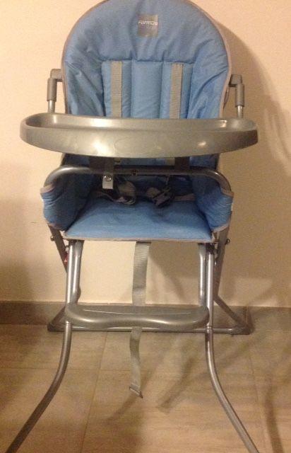 Chaise haute pliable avec attache sécurité