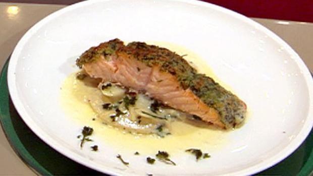 Rezept: Lachsschnitte mit Estragonkruste und Schwarzwurzelgemüse (Steffen Henssler)
