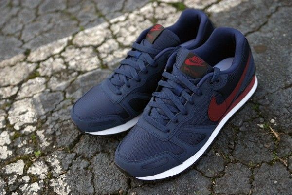 Nike Air Waffle Trainer - Obsidian/Team Red