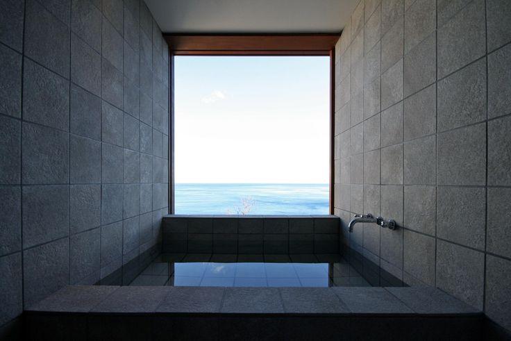 バスルーム(熱海の家) - バス/トイレ事例|SUVACO(スバコ)