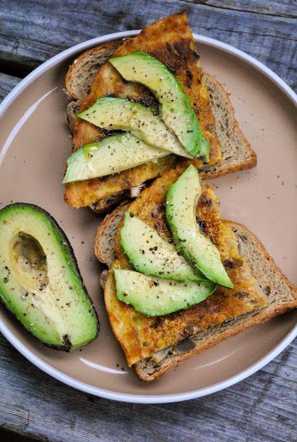 10 vegan breakfast ideas! Healthy, delicious and easy options for every taste.  http://www.vegansandra.com/2018/01/10-vegan-breakfast-ideas.html