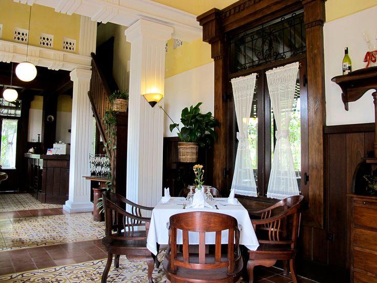 beukenhof restaurant // dining the colonial way.