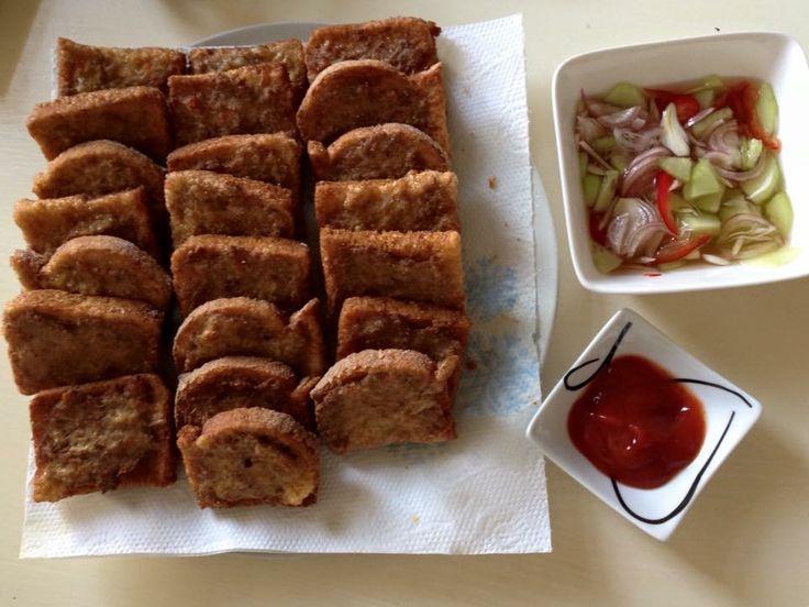 Brood, gebakken varkensvlees ขนมปังหน้าหมู