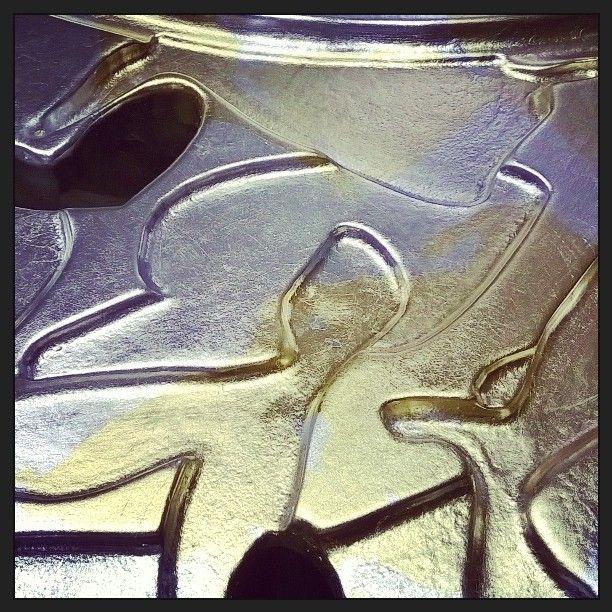 Золото&Серебро разрабатываем новый декор рамы для зеркала  Gold&Silver  new decor for mirror frame  Decor#decoration#designer#design#interiordesign#decor4all#inspiration#homedecor#homedesign#декор#дизайн#вдохновение#золочение#золочениепоталью#поталь#позолотчик#позолотныеработы by mimi17m http://discoverdmci.com