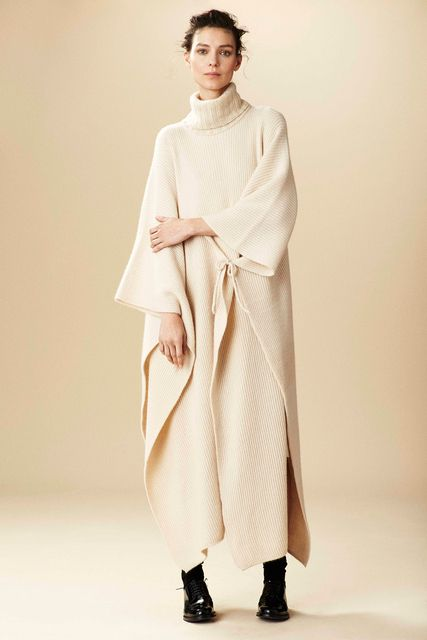 Ryan Roche, Look #1