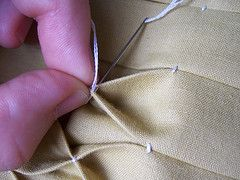 Honeycomb Smocking Tutorial - Casinha de abelha