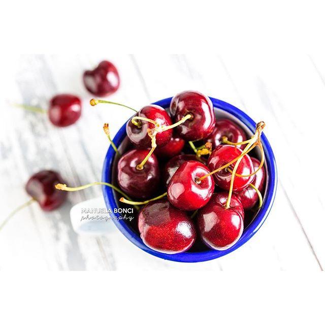 Ogni giorno schiscetta per l'ufficio e frutta! Oggi..🍒🍒🍒🍒 #onthetable#beautifulfood#foodies#foodphotography#vscofood#vscofashionfood#food52grams#fotografi_amo#igersrimini#foodphotographer#breakfast#igersemiliaromagna#ifoodsummer16#ifoodit #colazioneitaliana#ig_rimini#snap_ish#foodmystyle#heresmyfood#colazione#love#falconenamelware#fruit#cherries#redpassion#summer #frutta#ciliegie#schiscetta