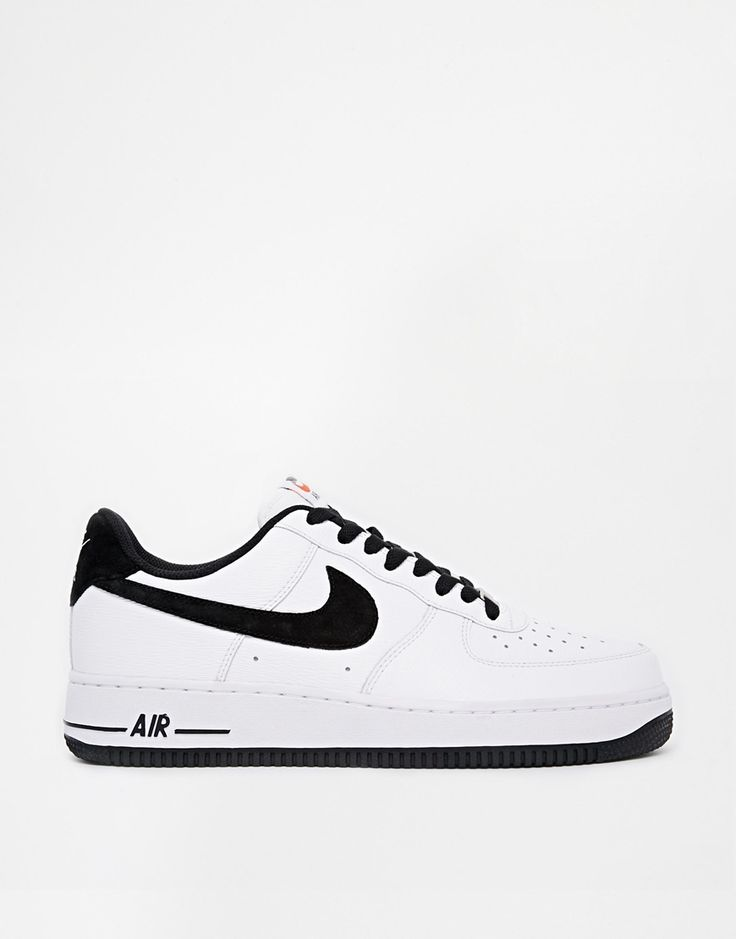 Nike air force one in black and white