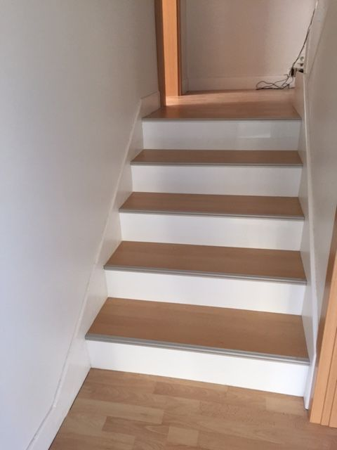 Maytop tiptop habitat habillage d escalier r novation for Escalier entree deco