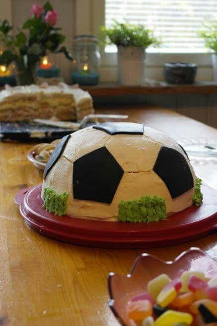 Jalkapallo kakku pojalle