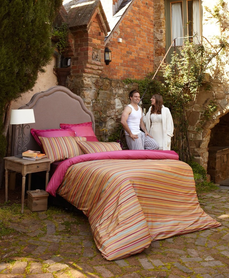These Autumn tones will turn your bedroom into a warm and cosy hangout. #linen #bedding