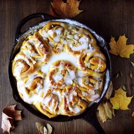 Hokkaido pumpkin cinnamon rolls. As good as they look. (recipe in Polish, translator on the sidebar)