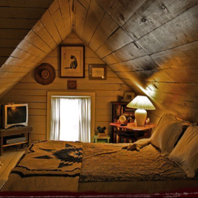 39 Attic Living Rooms That Really Are The Best: 11 Best Rustic Attic Images On Pinterest