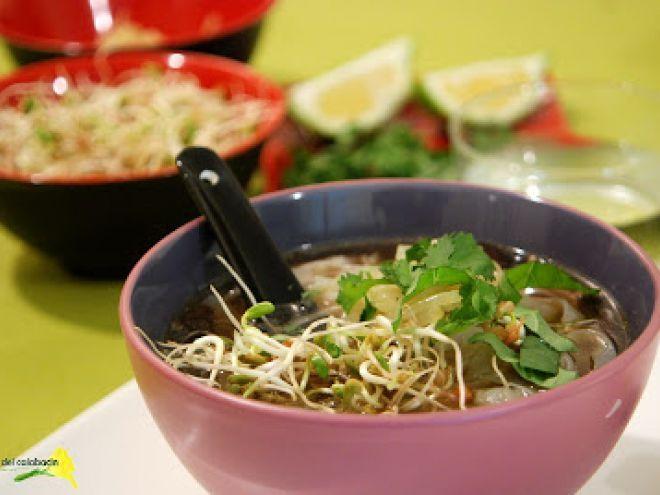 Sopa vietnamita vegetariana