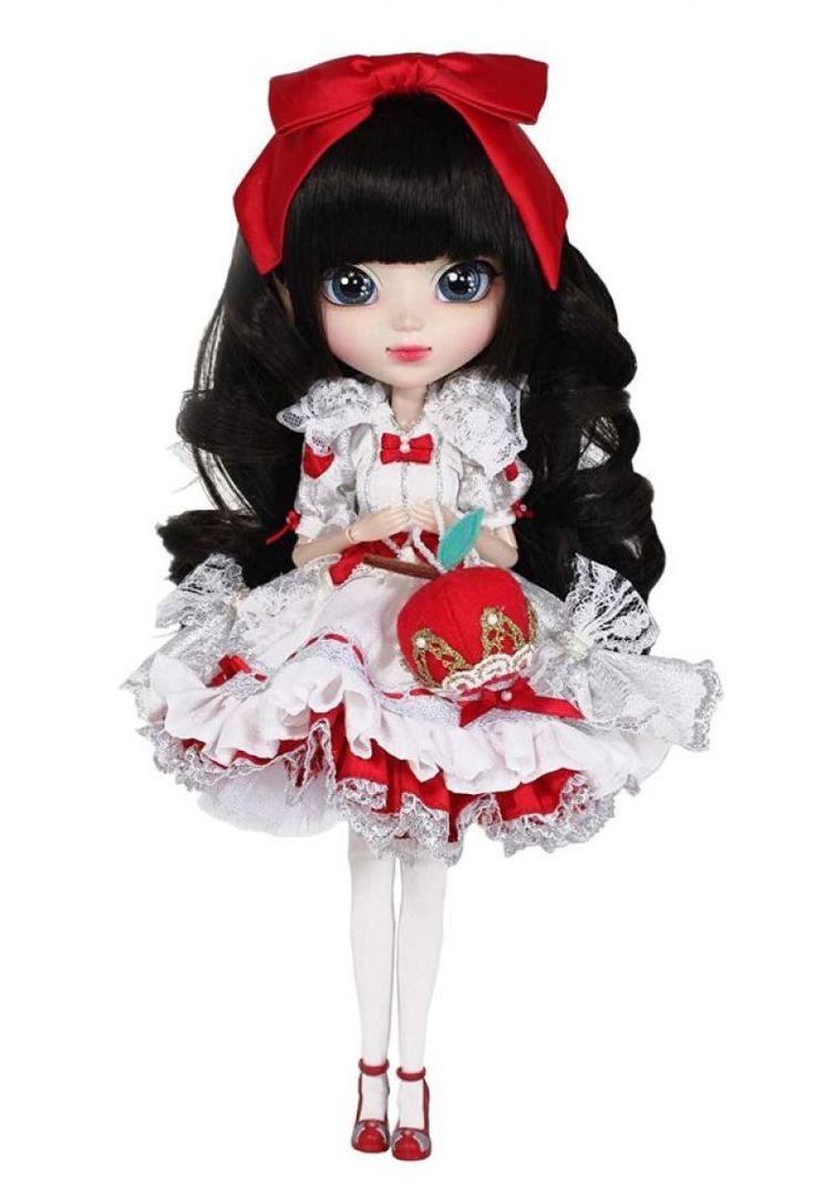 Snow White Fashion Doll