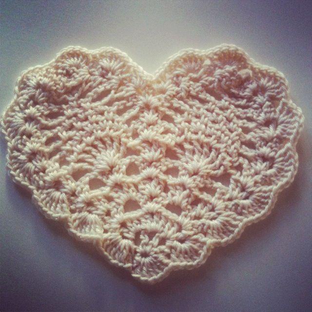Crocheting Club : Pineapple Heart! Crochet Club #2 Heart of Hearts Pinterest