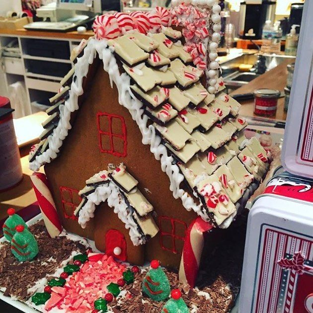 Learn how to create your very own Gingerbread House with #WilliamsSonoma's professional pastry chefs this Saturday, Dec 3 at @wsfashionvalley! $30 for class + Gingerbread House Decorating Kit. Sign up at the store or by calling (619)295-0510. 🎅🏻🍪🍫