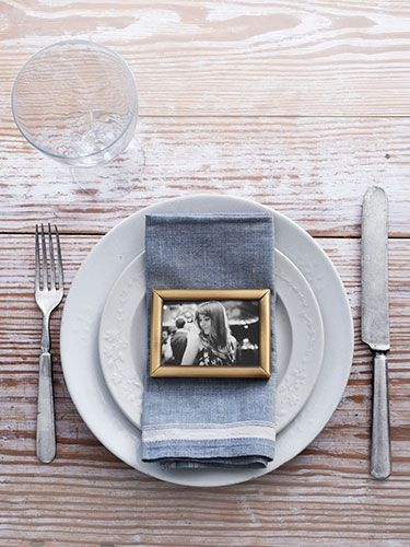 Learn how to use a framed photo for table placecard