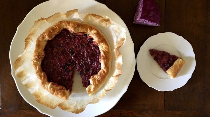 Red cabbage and French cheese savory tart