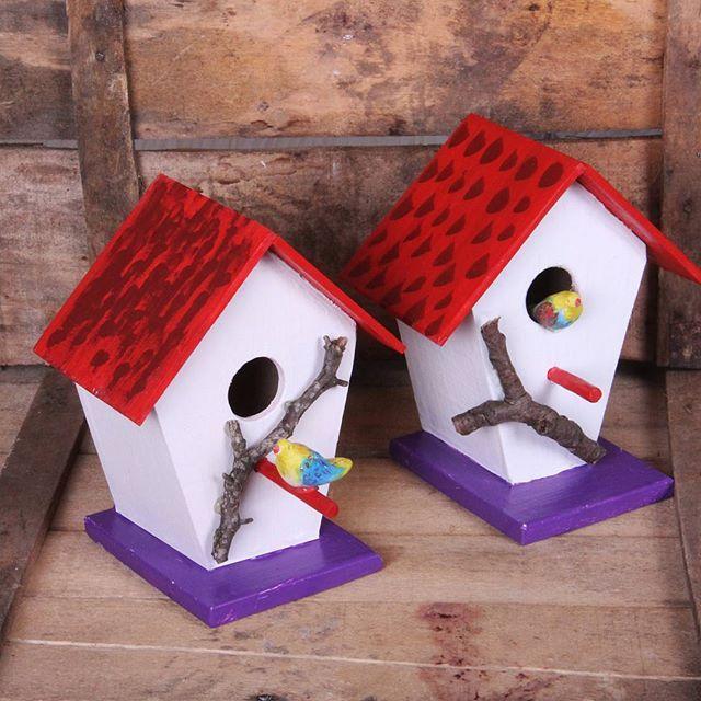 Yeni yaptıgımız el yapımı dekoratif kuş evleri.  #kusevi #kuslar #birds #dogal #doga #naturel #nature #ev #ahsap_isleri #atolye #ahsap #elyapımı #sanat #likes #kirmizi #home #hediyelik #villa #balkon #ev