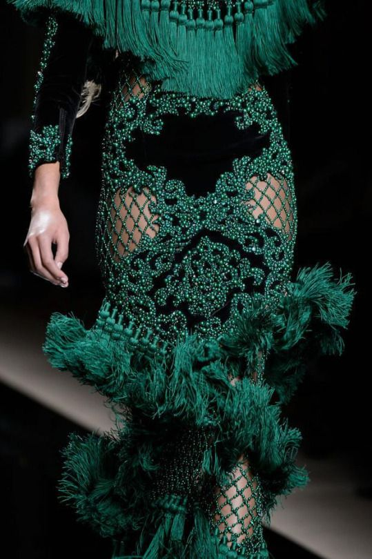 Balmain Pre-Fall 2016 (Details) Do goldie's rooster feather collar but with tassles instead.
