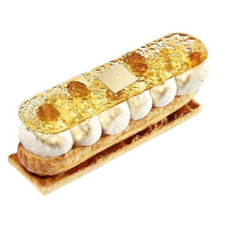 <p>Pâte feuilletée caramélisée, crémeux caramel, crème Chantilly à la vanille Bourbon de Madagascar, dentelle de caramel croquant.</p>