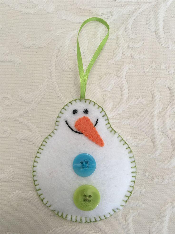Felt crafts, felt ornament, snowman, snowman felt, snowmen, made by Janis