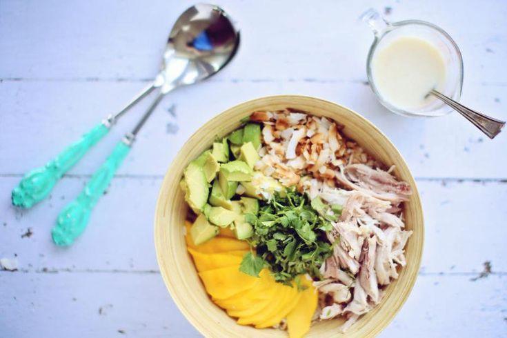 Salade de mangue, de poulet et de riz brun et vinaigrette coco-gingembre