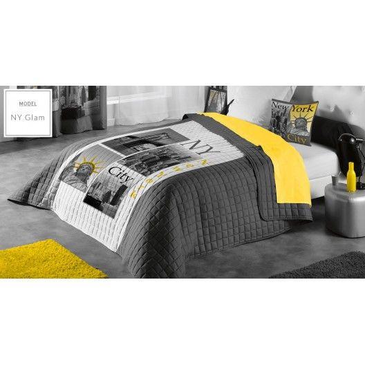 Dekorativní šedý francouzský přehoz na manželskou postel s motivem New York - dumdekorace.cz