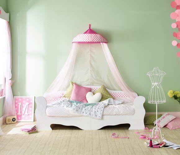 Przepiękne duże łóżko - sofa z baldachimem idealnie pasuje do pokoju małej księżniczki. Łóżko pod materac 190x90 - posłuży dziewczynce bardzo długo.  Tapicerowane oparcie, żłobione fronty... Rewelacyjne wykonanie.