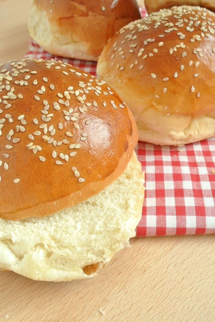 Sprinkles Dress: Homemade burger buns: panini per hamburger