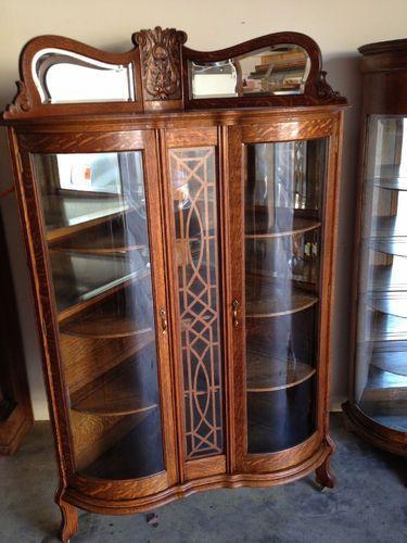 Circa 1900 Antique Oak Corner Cabinet :