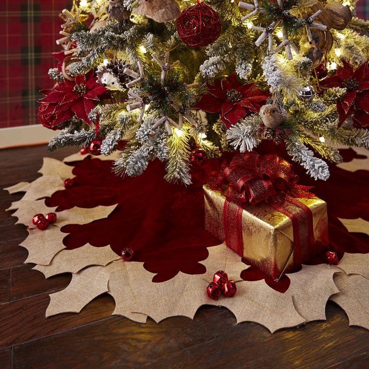 Holly Berry Tree Skirt