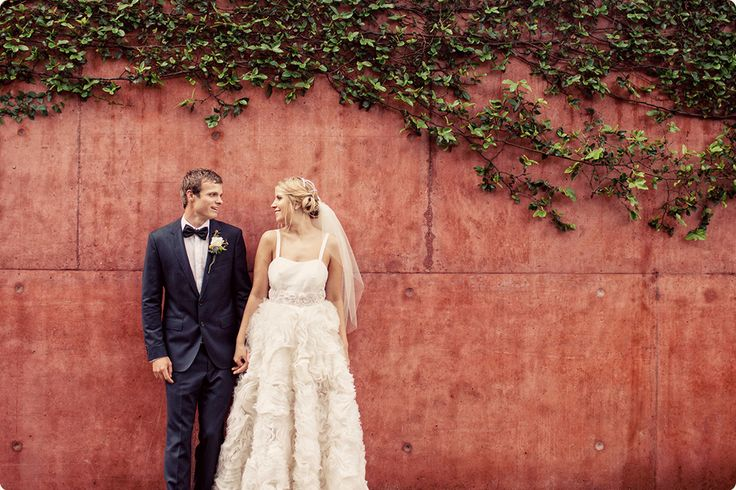 Roma-Street-Parklands-Wedding-0036-Red-Wall