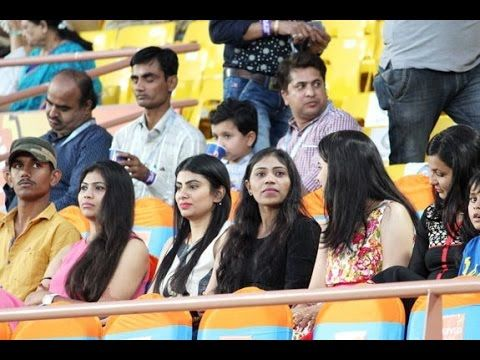 ravindra jadeja fiance Rivaba Solanki watch First Match ravindra jadeja fiance Rivaba Solanki watch First Match IPL 9 the gujarat lions sunriser hyderabad ravindra jadeja marriage ravindra jadeja #news | #newspaper | #worldnews | #LatestNews | #CelebrityNews | #newsup10 | #newsupten  The Best News Videos channel Please Subscribe My channel - https://goo.gl/fFcNfi Facebook - http://ift.tt/1R4s9le Twitter - http://ift.tt/1PjfwOG  Youtube Channel Page - http://www.youtube.com/NewsUpten  THANKS…