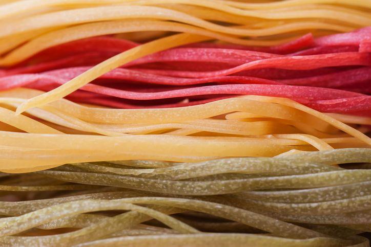 Ecco la ricetta per preparare la perfetta pasta all'uovo colorata.