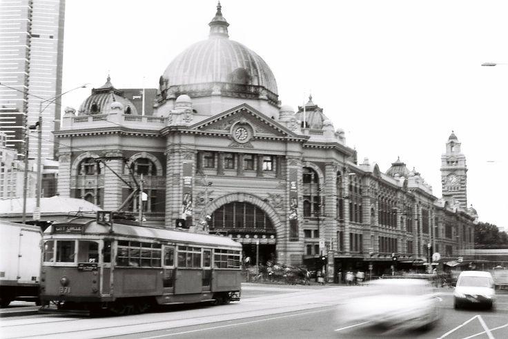 Cnr of Flinders St and Swanston St, Flinders St Station