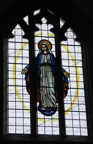 Pendle Stained Glass - Heilige Moeder Maria.