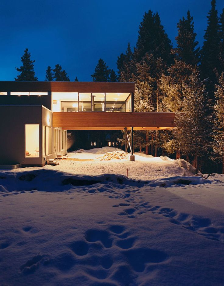 The Hiller Residence Is A Cantilevered Home Overlooking A Ravine And  Forested Landscape In Winter Park, Colorado, USA. Architects: Michael P.